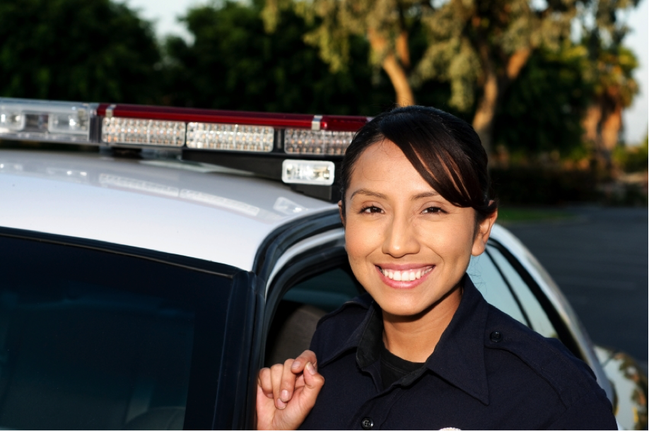 Which college courses should I go for to become a police officer?